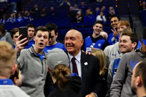 lexington: dick vitale with uk fans