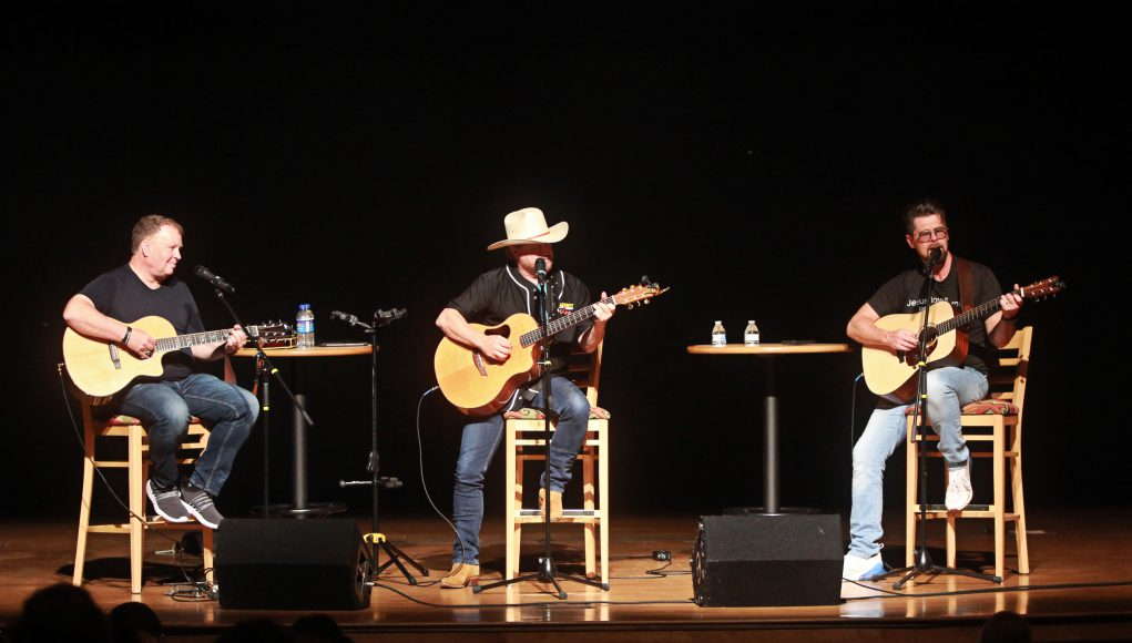 Parents: three muscians on a stage