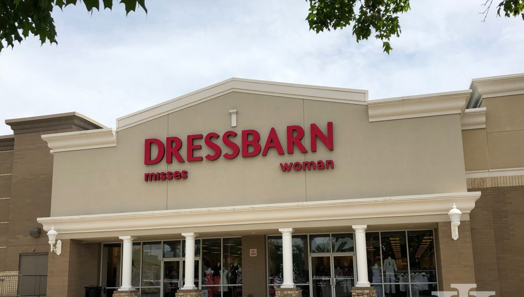 retail: an outside picture of dressbarn