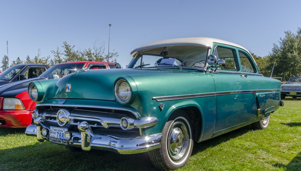 Lexington Senior: Canning, Nova Scotia, Canada - September 23, 2018: 1954 Ford Customline on display by owner in early autumn at local antique car show. Car show held on the grounds of The Lookoff Campround in the Annapolis Valley area of Canning, Nova Scotia.