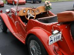 Senior Living: a red vintage car