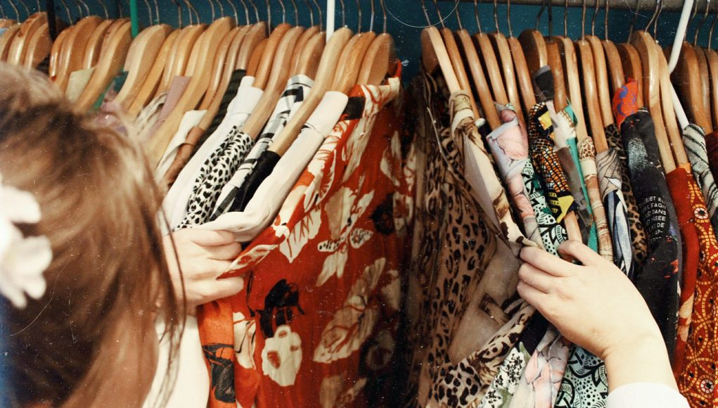 Black Friday: a girls shopping for clothes